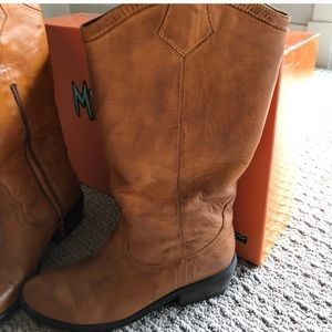 Miz Mooz Orange Leather Seneca Boots Sz 7.5